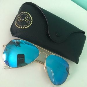 Blue Flash Aviator Ray Bans.